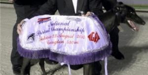 Richmond Maiden: Chica Destacada produces an outstanding girl